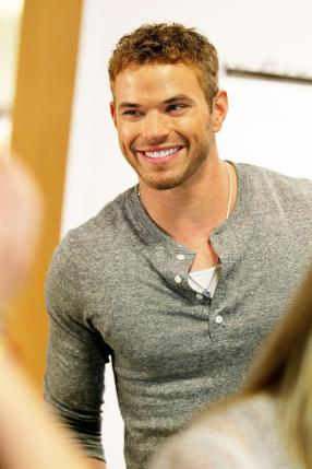 kellan-lutz-sweet-smile